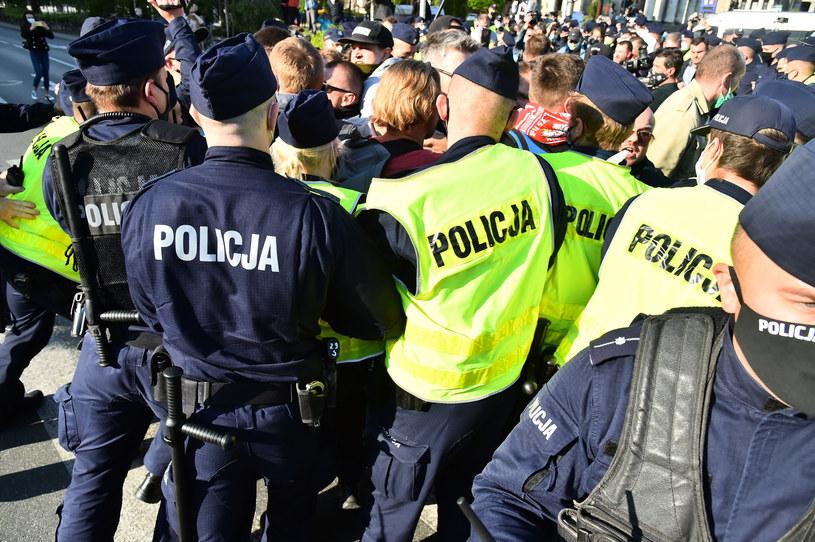 Protest przedsiębiorców w Warszawie /Artur Zawadzki /Reporter