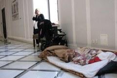 Protest rodziców dzieci niepełnosprawnych na sejmowych korytarzach