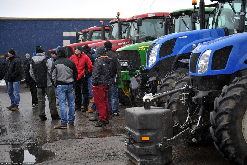 Protest rolników w Pyrzycach, zdj. z lutego 2015 roku /Lukasz Szelemej /East News