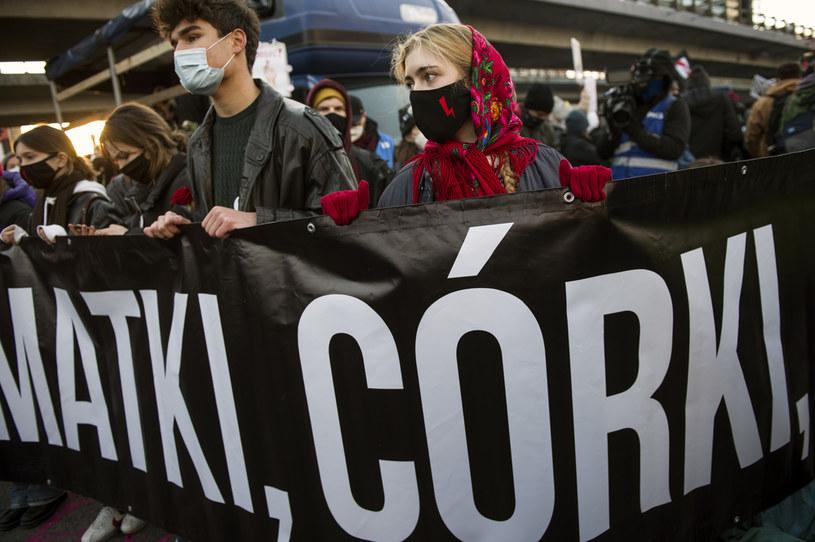Protest Strajku Kobiet w Warszawie /Attila Husejnow/Zuma Press /Agencja FORUM