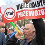 Protest taksówkarzy: W środę ruszają negocjacje z rządem