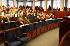 Protest uczniów podczas obrad Rady Miasta w Bytomiu