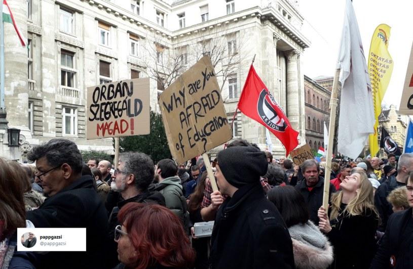 Protest w Budapeszcie /Twitter