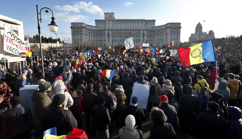 Protest w Bukareszcie /ROBERT GHEMENT /PAP/EPA