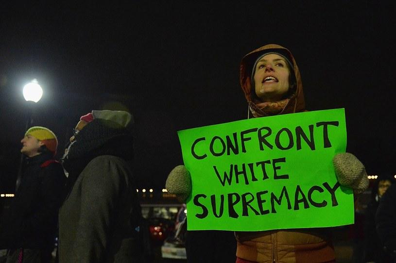 Protest w Ferguson po ogłoszeniu decyzji ministerstwa sprawiedliwości /AFP