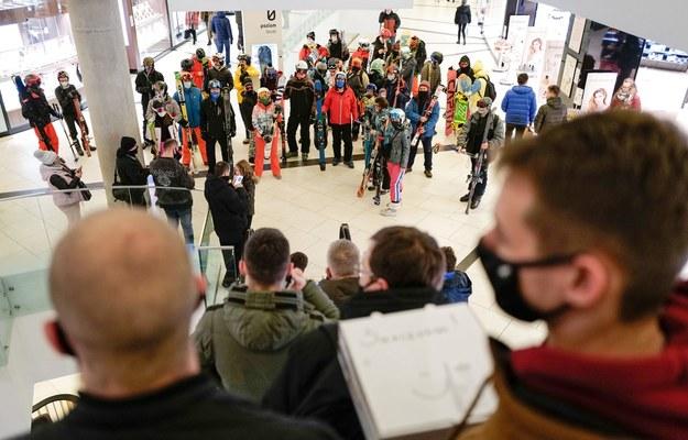 Protest w galerii handlowej w Katowicach / Andrzej Grygiel    /PAP