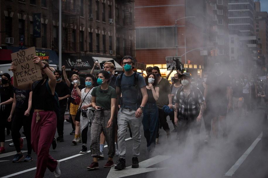 Protest w Nowym Jorku /ALBA VIGARAY /PAP/EPA