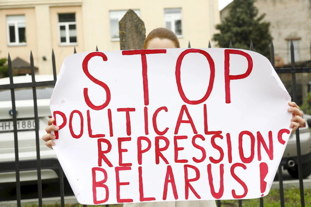 Protest w obronie więzionych Białorusinów /TOMS KALNINS  /PAP/EPA