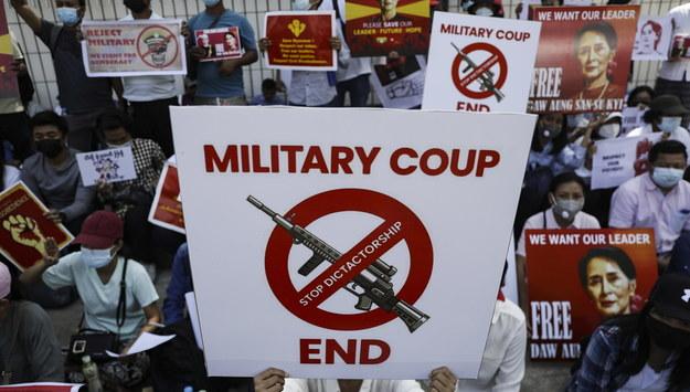 Protest w Rangun /LYNN BO BO /PAP/EPA