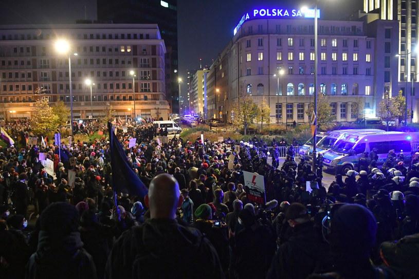 Protest w Warszawie / Radek Pietruszka   /PAP