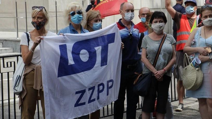 Protest związkowców z LOT i Poczty Polskiej /Jakub Rutka /RMF
