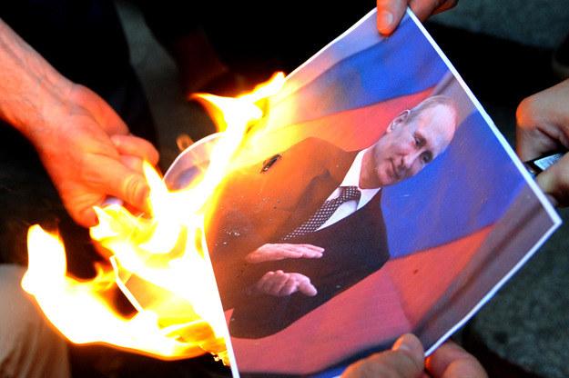 Protestowali przeciwko polityce Putina /AFP