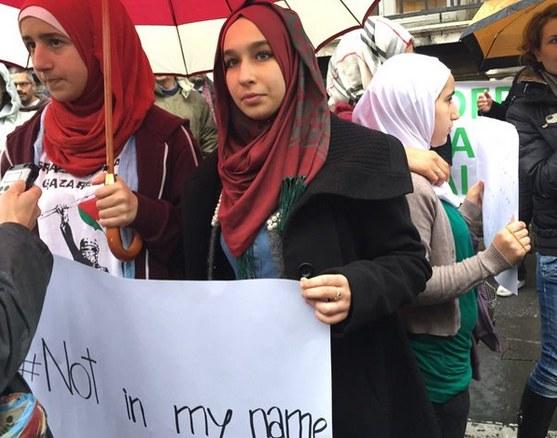 """Protestowano pod hasłem """"Nie w moim imieniu"""" /Twitter"""
