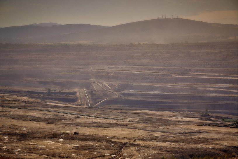 """Protestowano przeciwko planowanemu rozszerzeniu wydobycia węgla brunatnego w kopalni """"Turów"""" /Przemyslaw Graf /Reporter"""