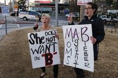 Protestują, bo nie chcą Justina Biebera za sąsiada