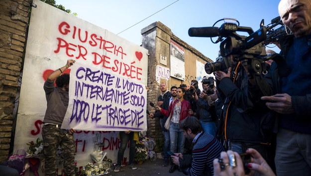 Protestujący domagają się sprawiedliwości za morderstwo 16-latki /ANGELO CARCONI /PAP/EPA