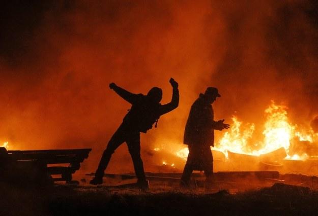 Protestujący na ulicach Kijowa /PAP/EPA/SERGEY DOLZHENKO /PAP/EPA