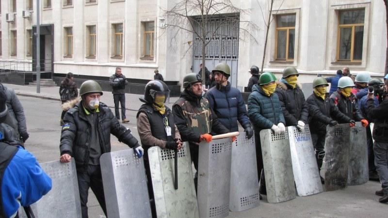 Protestujący przejęli dzielnicę rządową /Przemysław Marzec /RMF FM