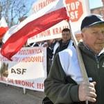 """Protestujący skandowali m.in. """"Jurgiel musi odejść"""""""