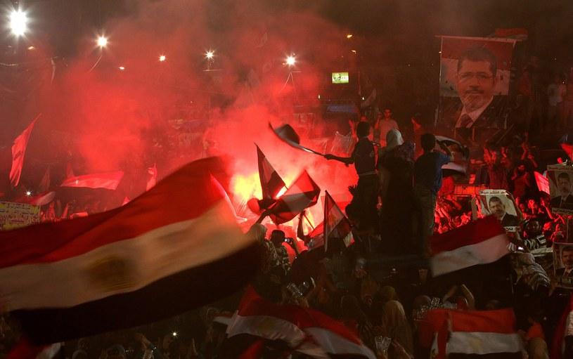 Protestujący w Egipcie /PAP/EPA