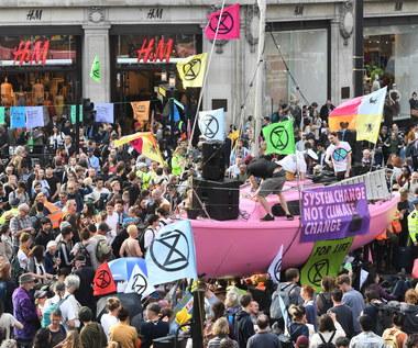 Protesty klimatyczne w Londynie. Zatrzymano 480 osób