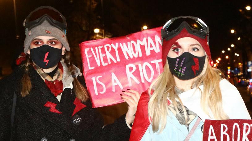 Протест женщин в Варшаве. Источник: Reporter. Иллюстрация: Томаш Ястжебовски/Tomasz Jastrzebowski