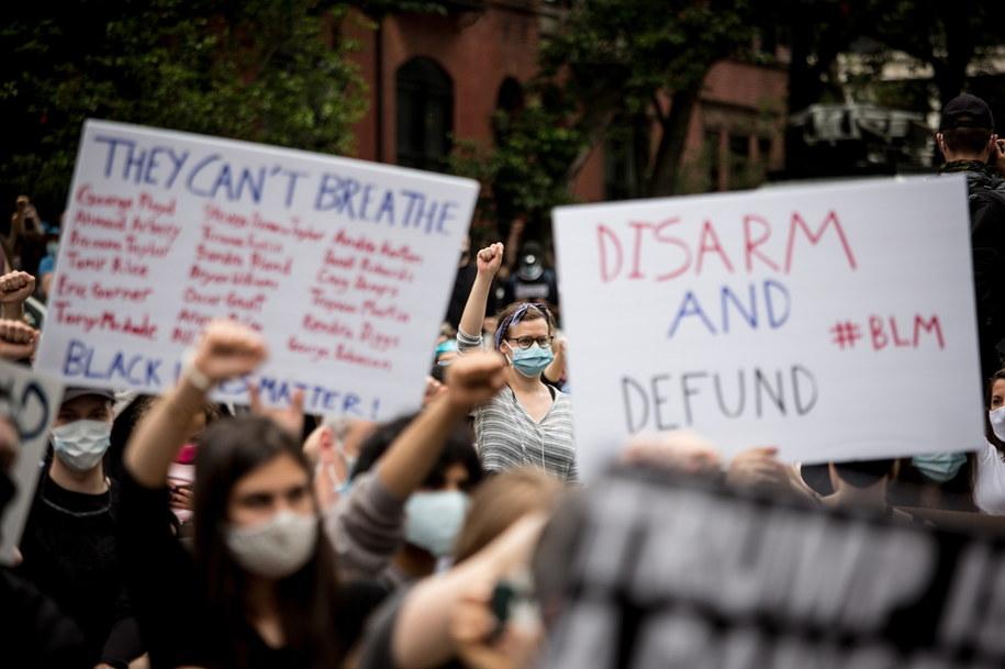 Protesty po śmierci George'a Floyda /ALBA VIGARAY /PAP/EPA