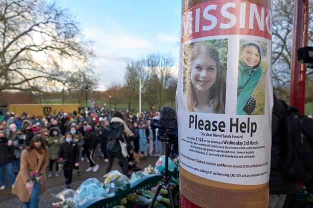Protesty po zabójstwie 33-letniej Sarah /shutterstock /