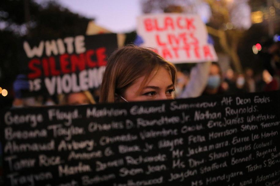 Protesty przeciwko agresji policji po śmierciu George'a Floyda /STEVAN SAPHORE /PAP/EPA