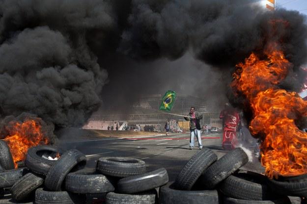 Protesty przeciwko mistrzostwom świata w piłce nożnej