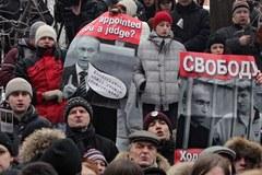 Protesty przeciwko wyrokowi dla Chodorkowskiego