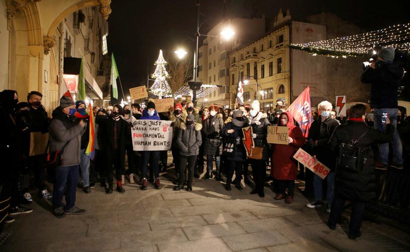 Protesty przeciwko wyrokowi TK w Łodzi /Julian Sojka/East News /East News