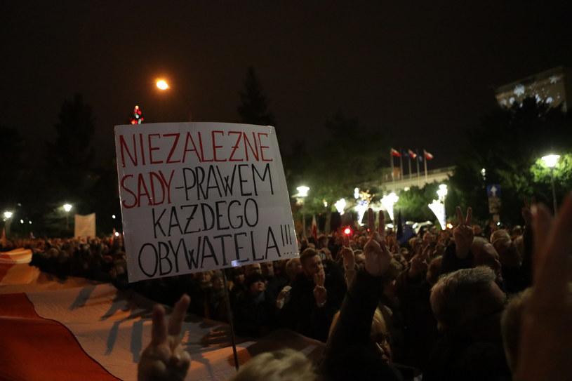 Protesty przeciwko zmianom w sądownictwie /Beata Zawadzka /East News