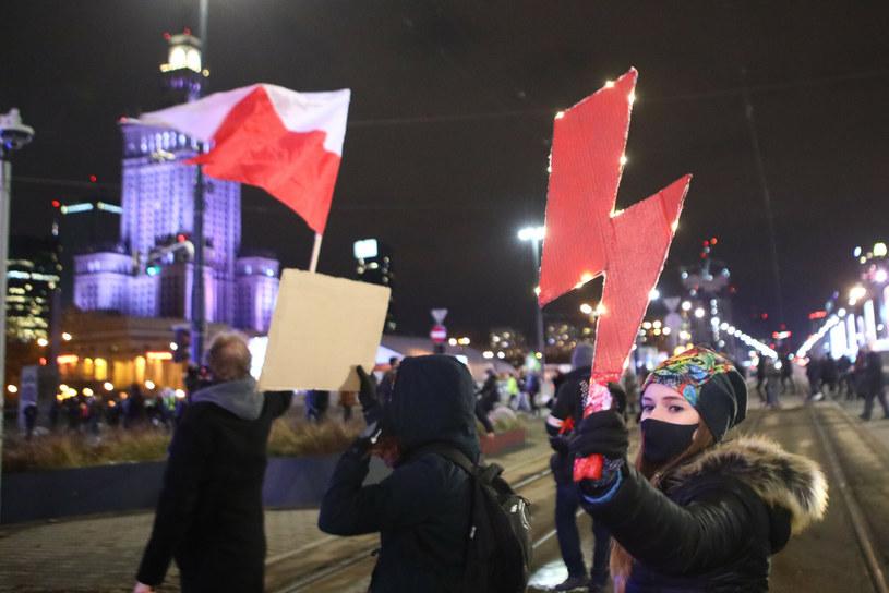 Protesty Strajku Kobiet /Tomasz Jastrzębowski /Reporter