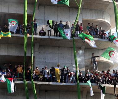 Protesty w Algierii. 75 osób aresztowanych, rannych 11 policjantów
