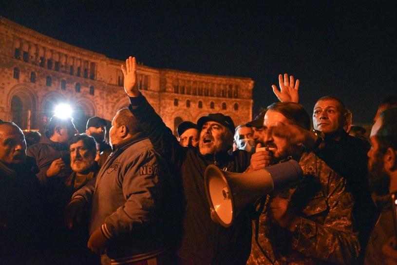 Protesty w Armenii przeciwko porozumieniu z Azerbejdżanem /AFP