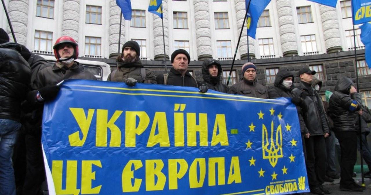Protesty w Kijowie. Manifestanci przed siedzibami rządu i prezydenta