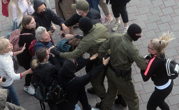 Protesty w Mińsku. Milicja zatrzymała kilkadziesiąt kobiet