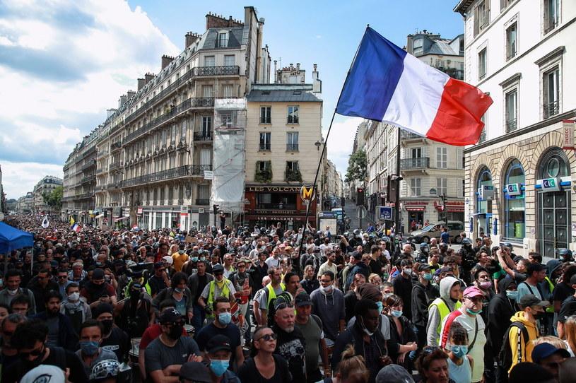Protesty w Paryżu /PAP/EPA/CHRISTOPHE PETIT TESSON /PAP/EPA