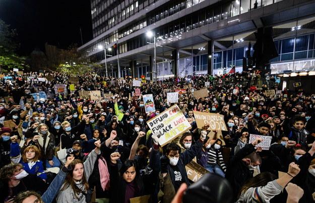 Protesty w związku ze śmiercią George'a Floyda obiegły cały świat. Na zdjęciu Sydney /James Gourley /PAP/EPA