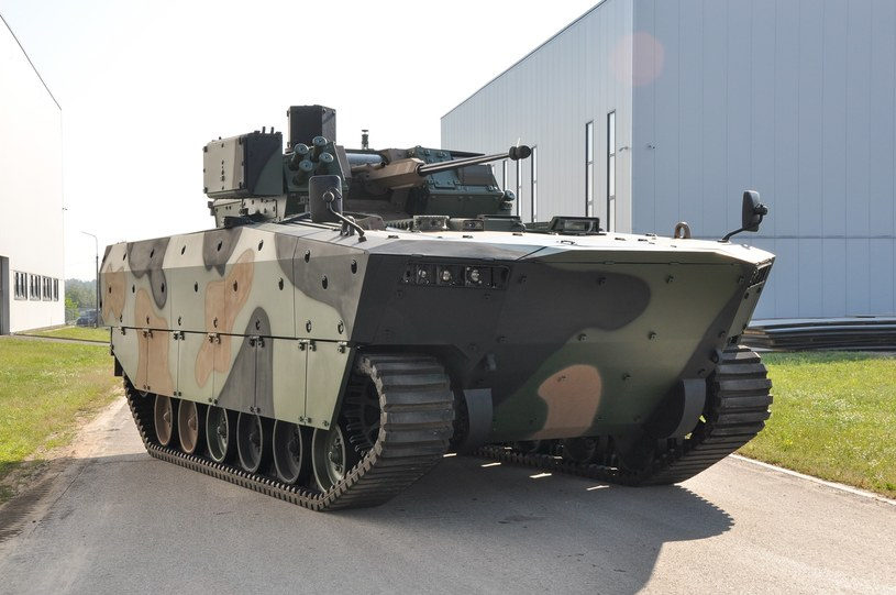 Prototyp Borsuka w 2019 roku już jeździł, choć nie było wiadomo, czy spełnia wymagania wojska. Te pojawiły się w lutym 2020 roku /CC BY-SA 4.0 /domena publiczna