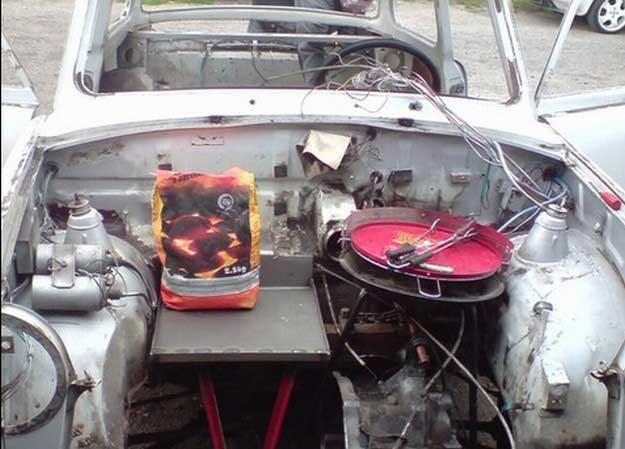 Prototyp ogrzewania elektrycznego trabanta... /INTERIA.PL