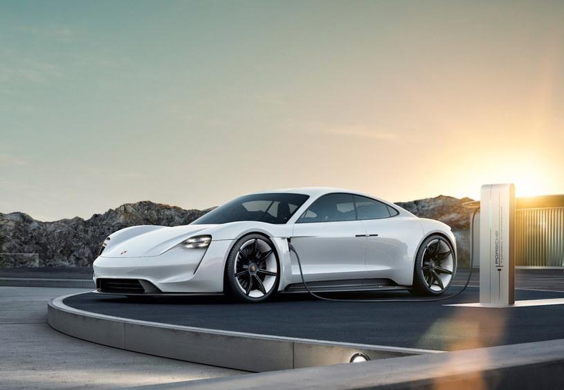 Prototyp Porsche Taycan /
