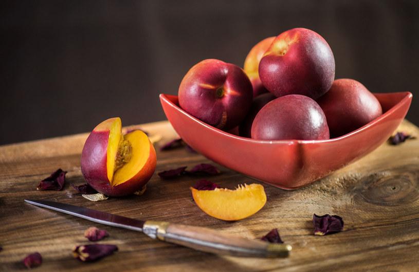 Pryskane owoce mogą przyspieszać menopauzę o 2-4 lata /123RF/PICSEL
