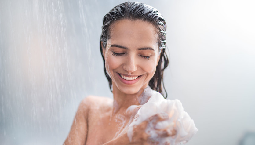 Prysznic. Jak go brać, żeby nie wysuszał skóry?