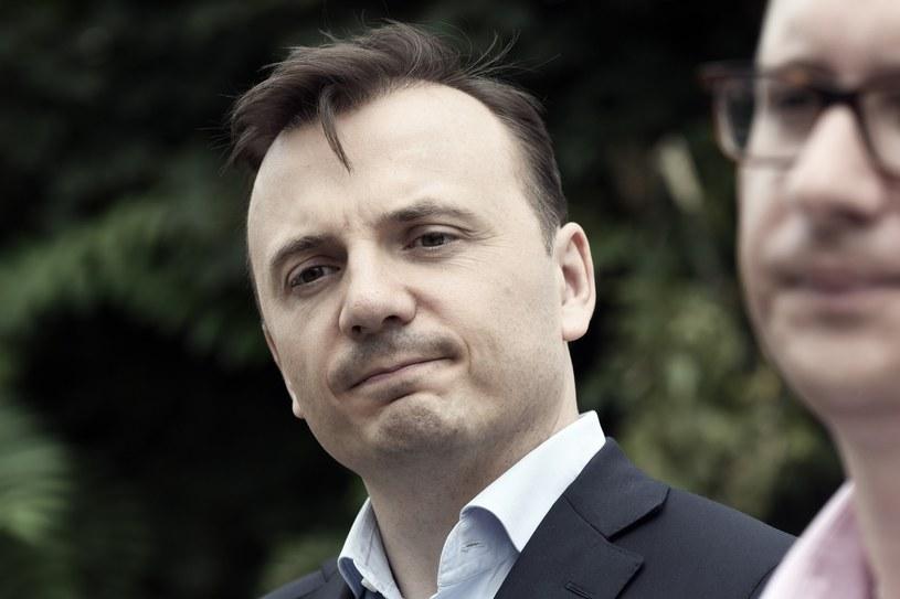 """""""Prywatne firmy mogą przekazywać darowizny na cele społeczne i nie muszą podawać ich wysokości"""" - odpowiedział Gibała /Marek Lasyk  /East News"""