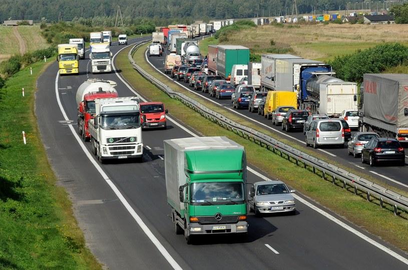Przebiegająca obok Częstochowy gierkówka to bardzo obciążona droga /Wojciech Stróżyk /Reporter
