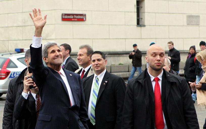 Przebywający z wizytą w Polsce sekretarz stanu USA John Kerry. /Radek Pietruszka /PAP