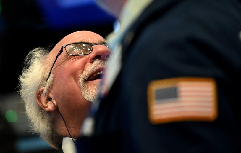 Przechodzenie boomerów na emeryturę załamie rynki /AFP