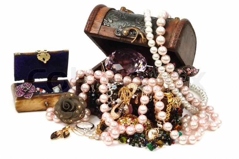 przechowywanie biżuterii /© Photogenica
